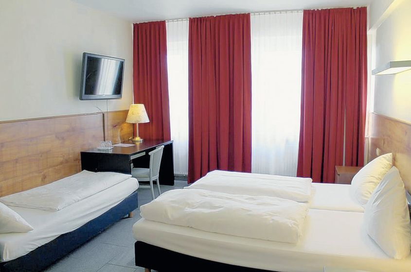hotel a o k ln hauptbahnhof hotels in k ln g nstig buchen. Black Bedroom Furniture Sets. Home Design Ideas