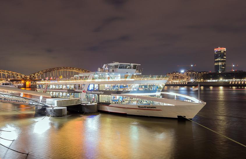 Unser Partyschiff auf dem Rhein. 80er/90er, Mallorca , Ü30 Partys. Incl. Abendessen und Übernachtung- Fr-SA